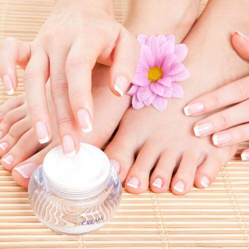 Суха шкіра стоп: 5 натуральних засобів, які допоможуть відновити її