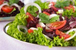 Худнемо на салатики: хитрості і рецепти