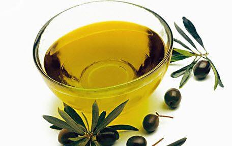 допомагає від слідів оливкова олія