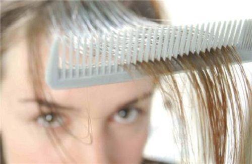 Випадання волосся: цибулевий сік допоможе перемогти алопецію і прискорить зростання