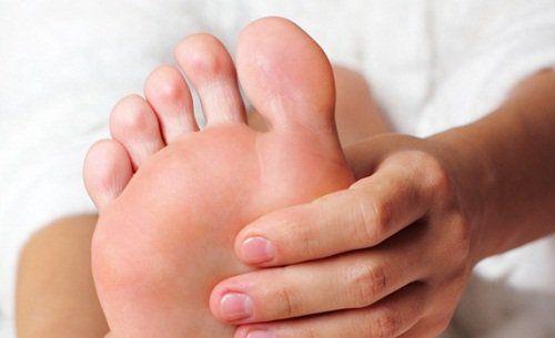 Судоми в ногах: як впоратися з ними за кілька секунд