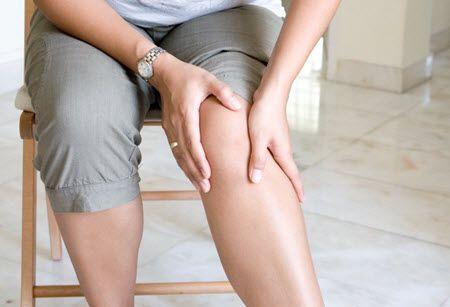 Як зняти пухлина ніг при ударі