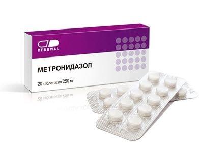 Лікар пописав таблетки