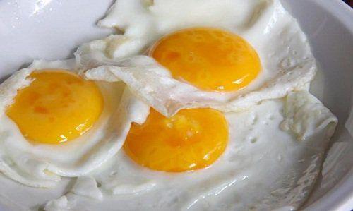 Корисно або шкідливо їсти яйця?