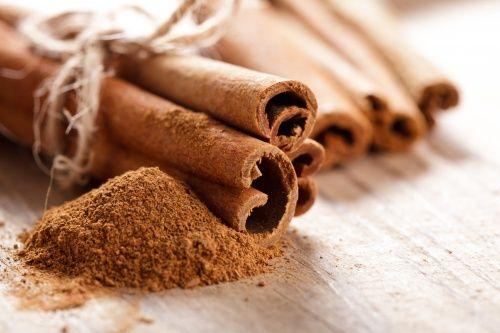 Спробуйте натуральний напій для спалювання жиру з кориці і лаврового листа!